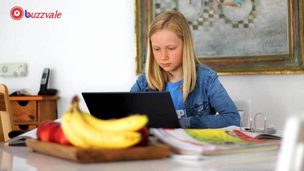 kids using the free online resource